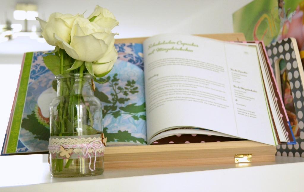 DIY: Frühlingshafte Vasen