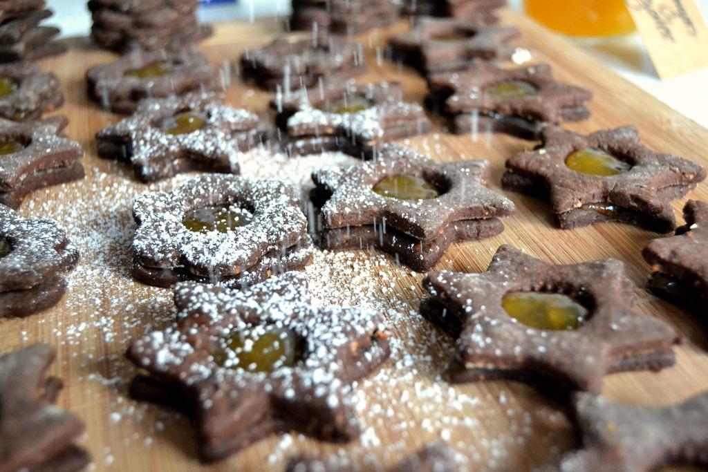 Schokoladige Spitzbuben mit Orangen-Gelee
